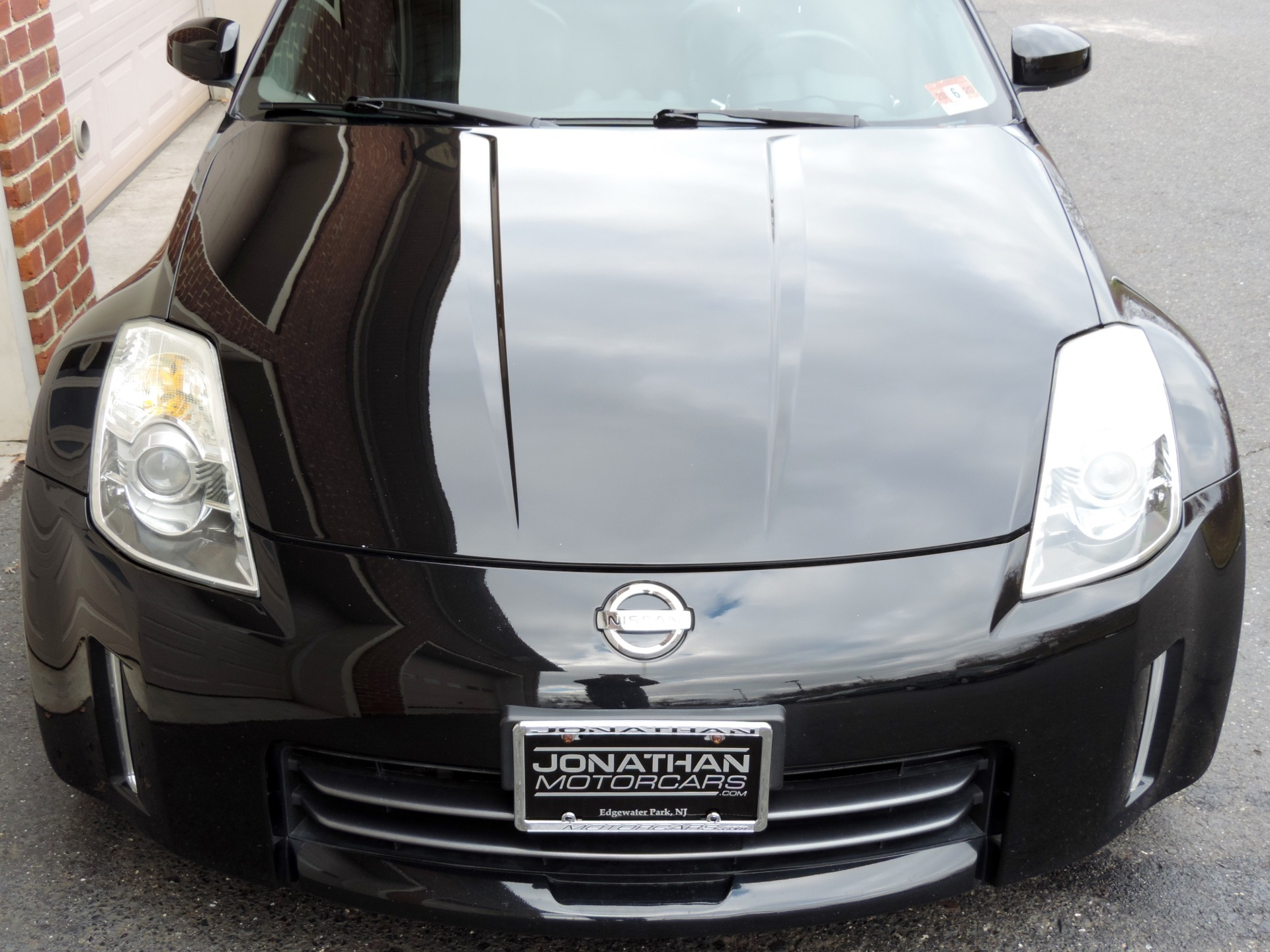 Used-2006-Nissan-350Z-Grand-Touring