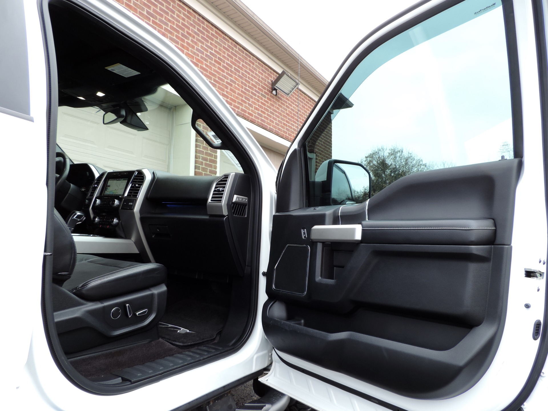 Used-2015-Ford-F-150-Lariat-Tuscany-FTX
