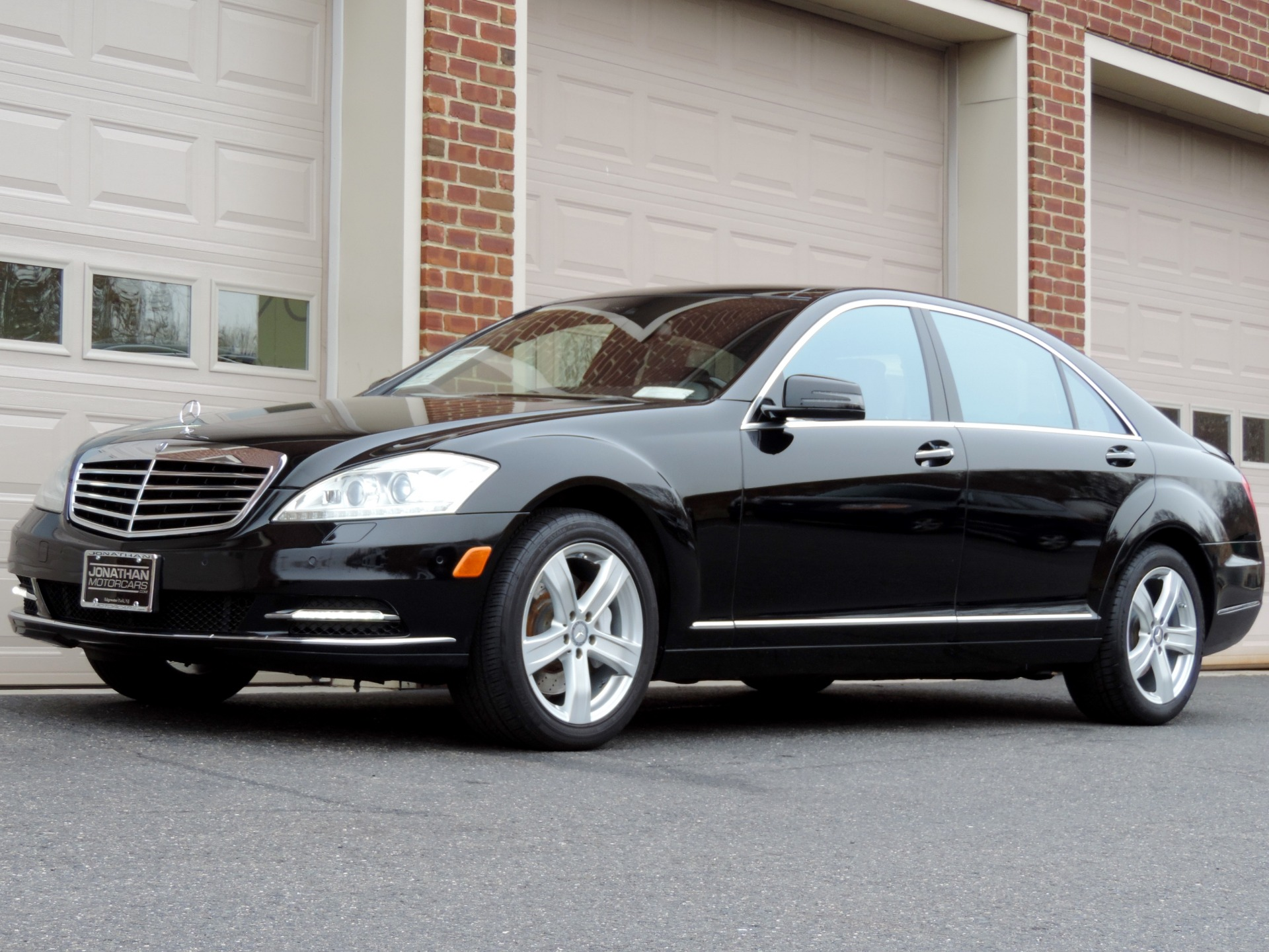 Used-2010-Mercedes-Benz-S-Class-S-550-4MATIC
