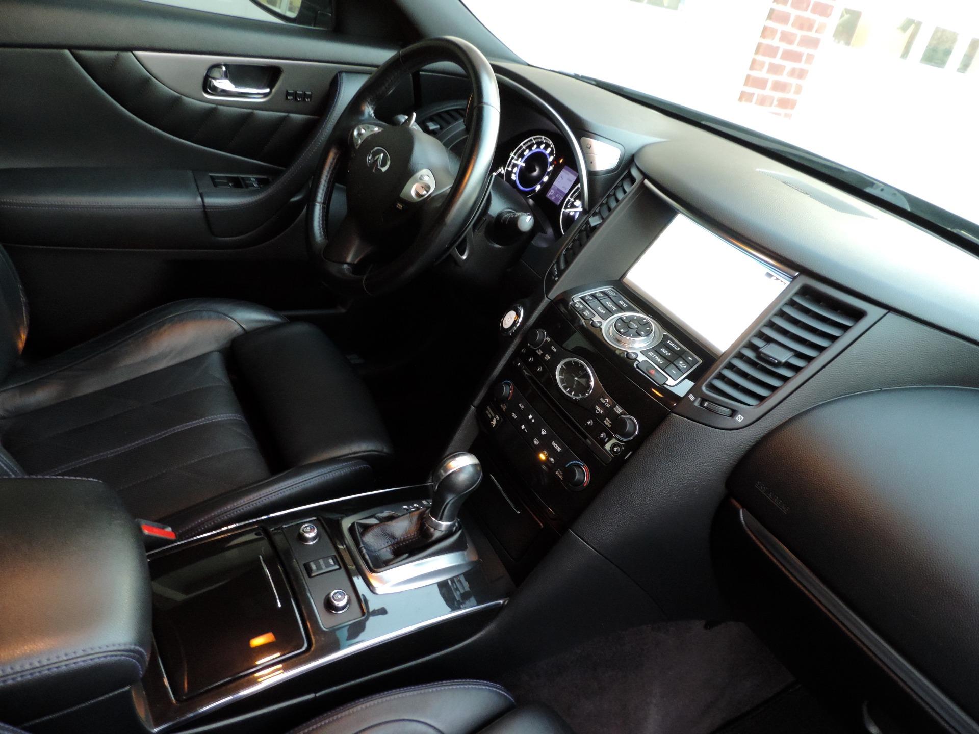 Used-2015-INFINITI-QX70-Sport-AWD