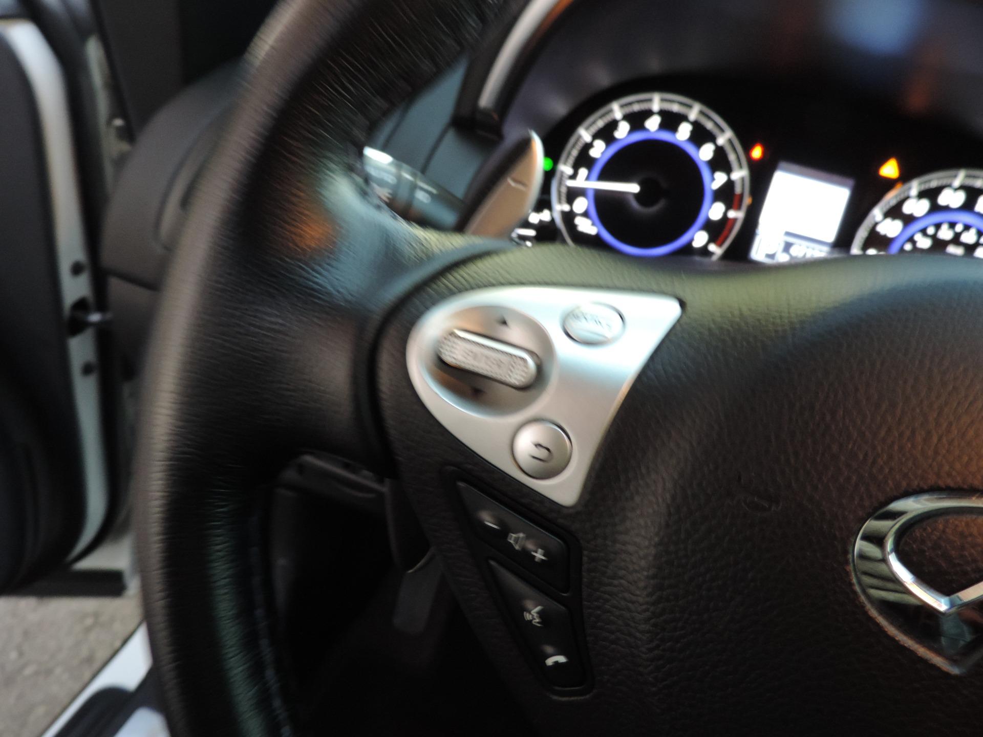 Used-2015-INFINITI-QX70-Sport--Navigation
