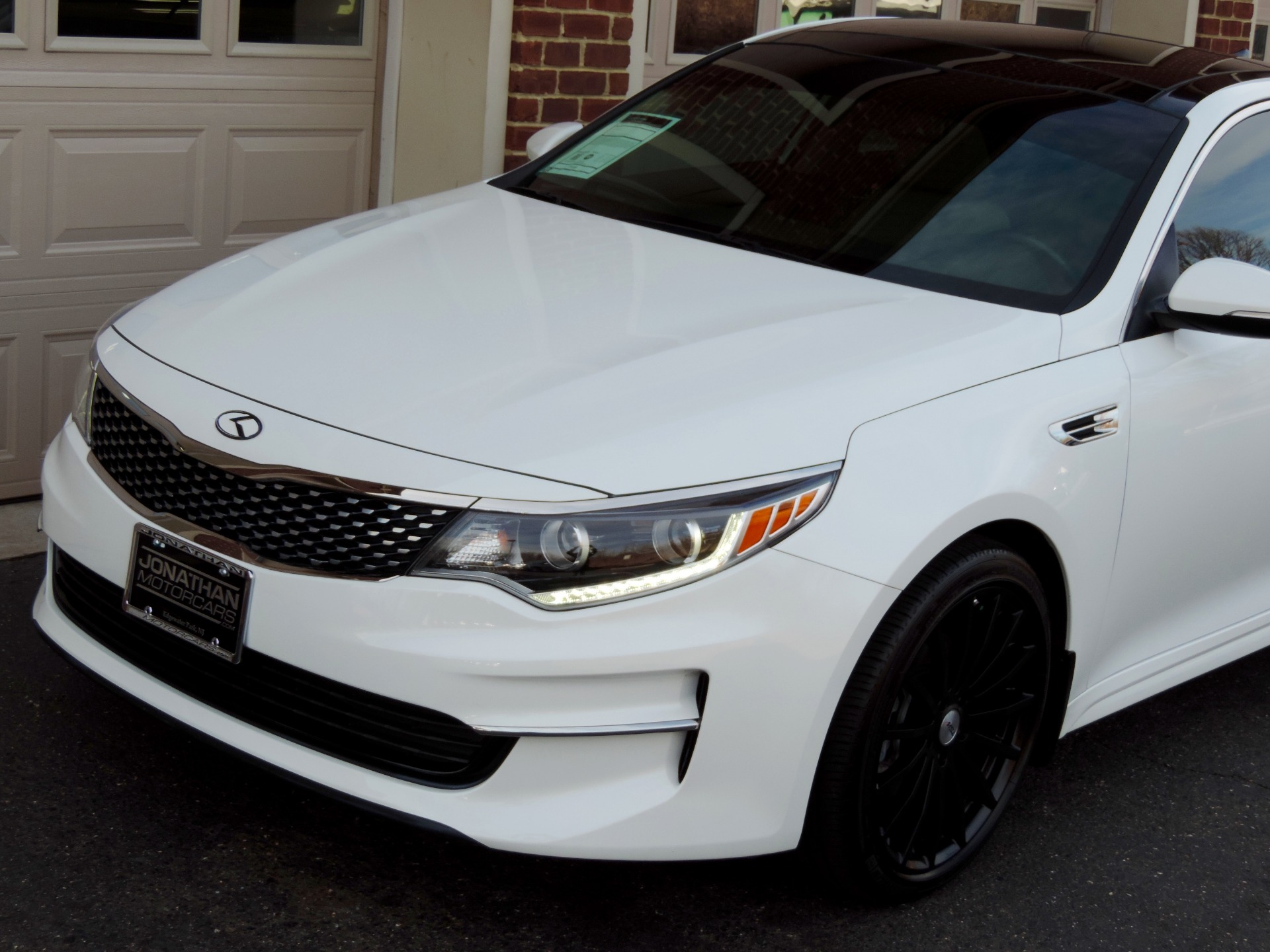 Used-2016-Kia-Optima-EX-Premium