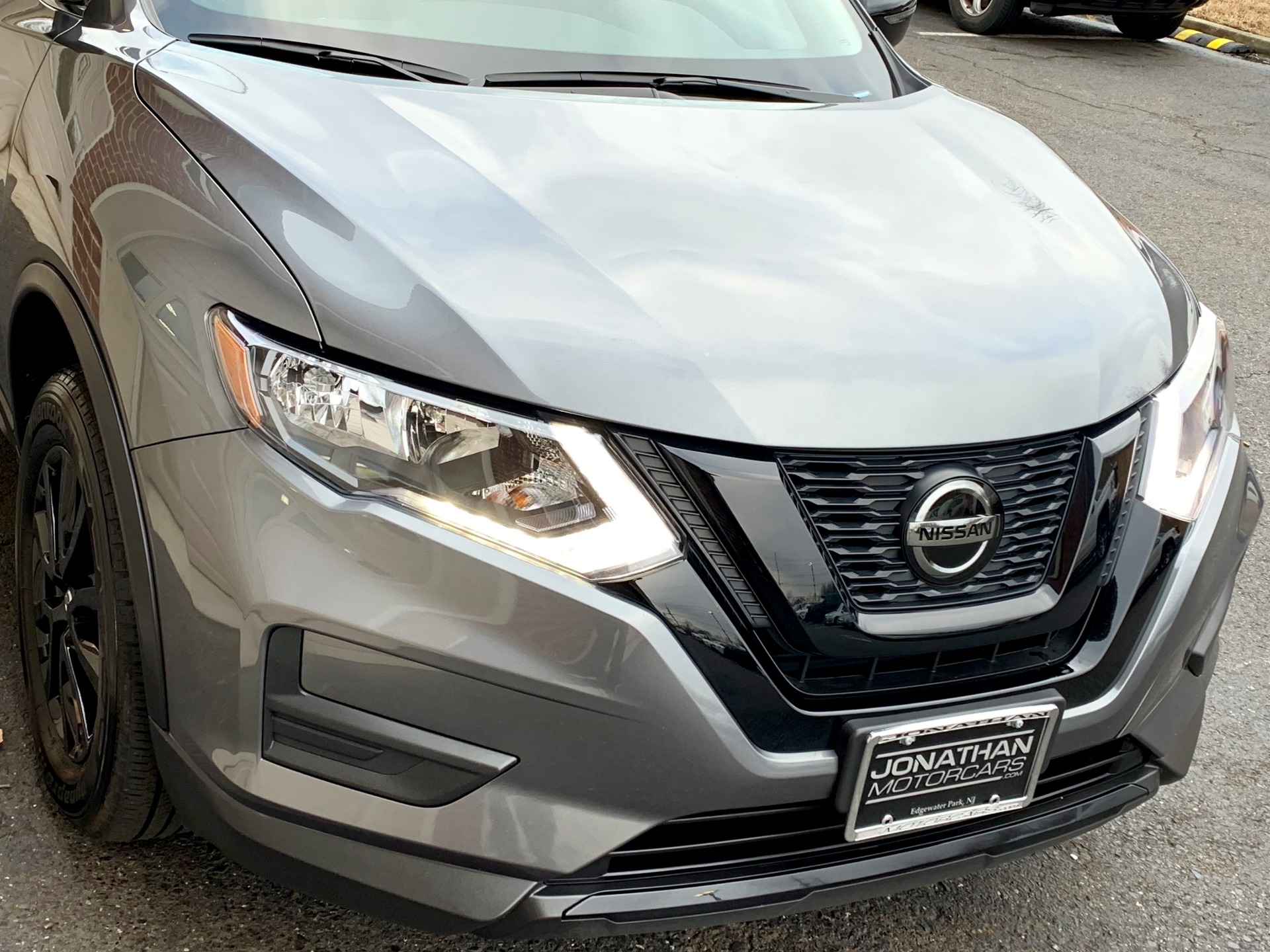 Used-2018-Nissan-Rogue-SV-AWD-Midnight-Edition