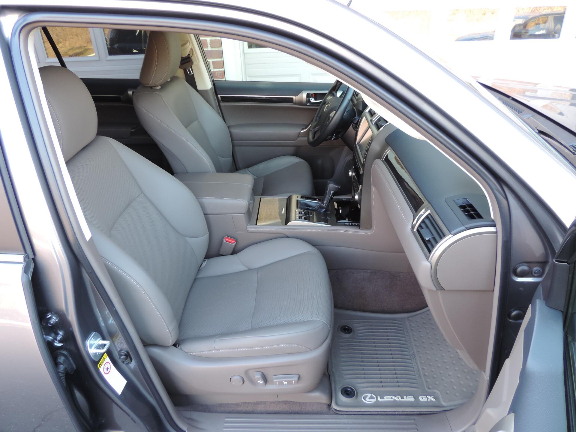 Used-2017-Lexus-GX-460-AWD-Premium