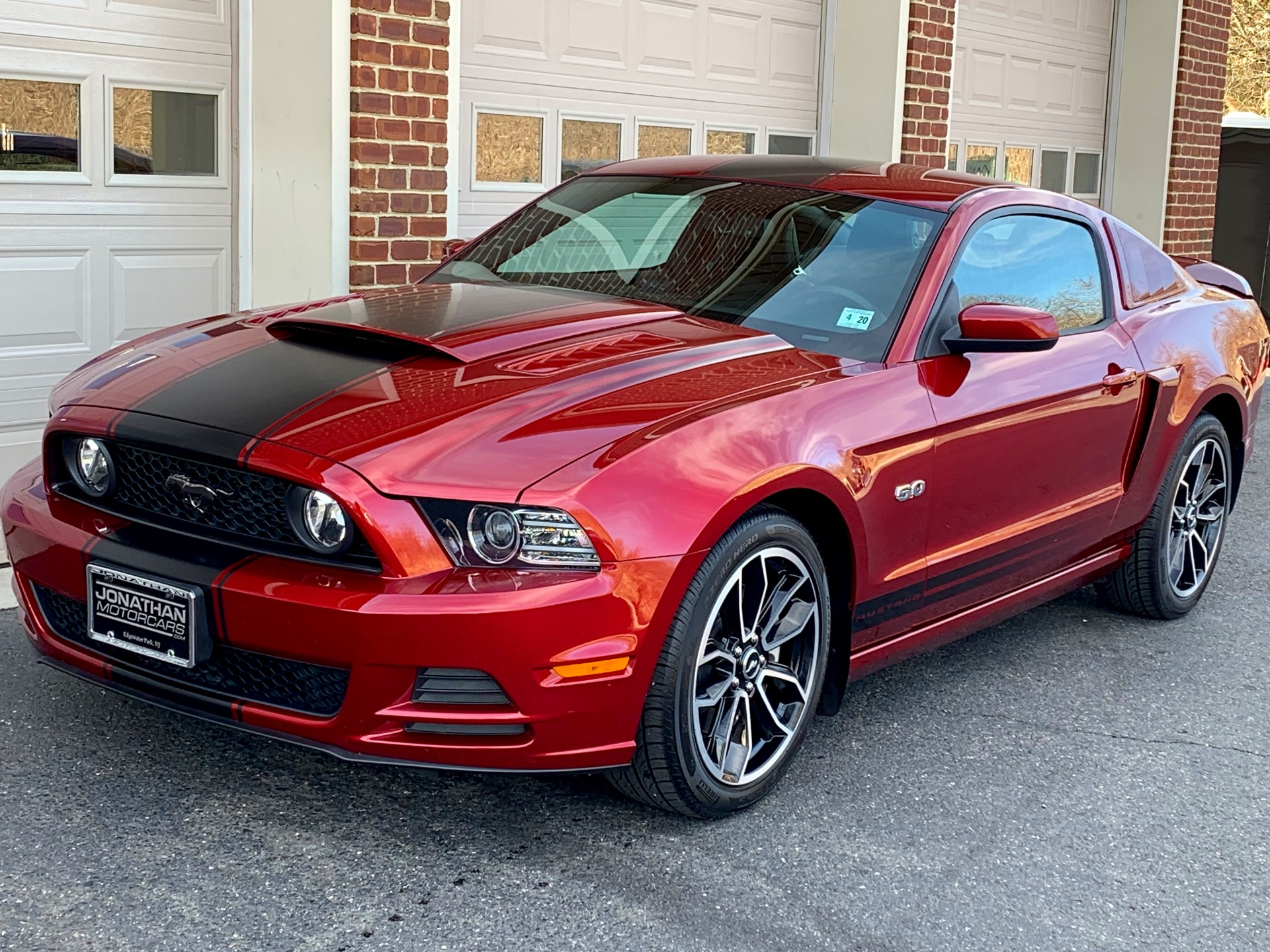 Used-2014-Ford-Mustang-GT-Premium
