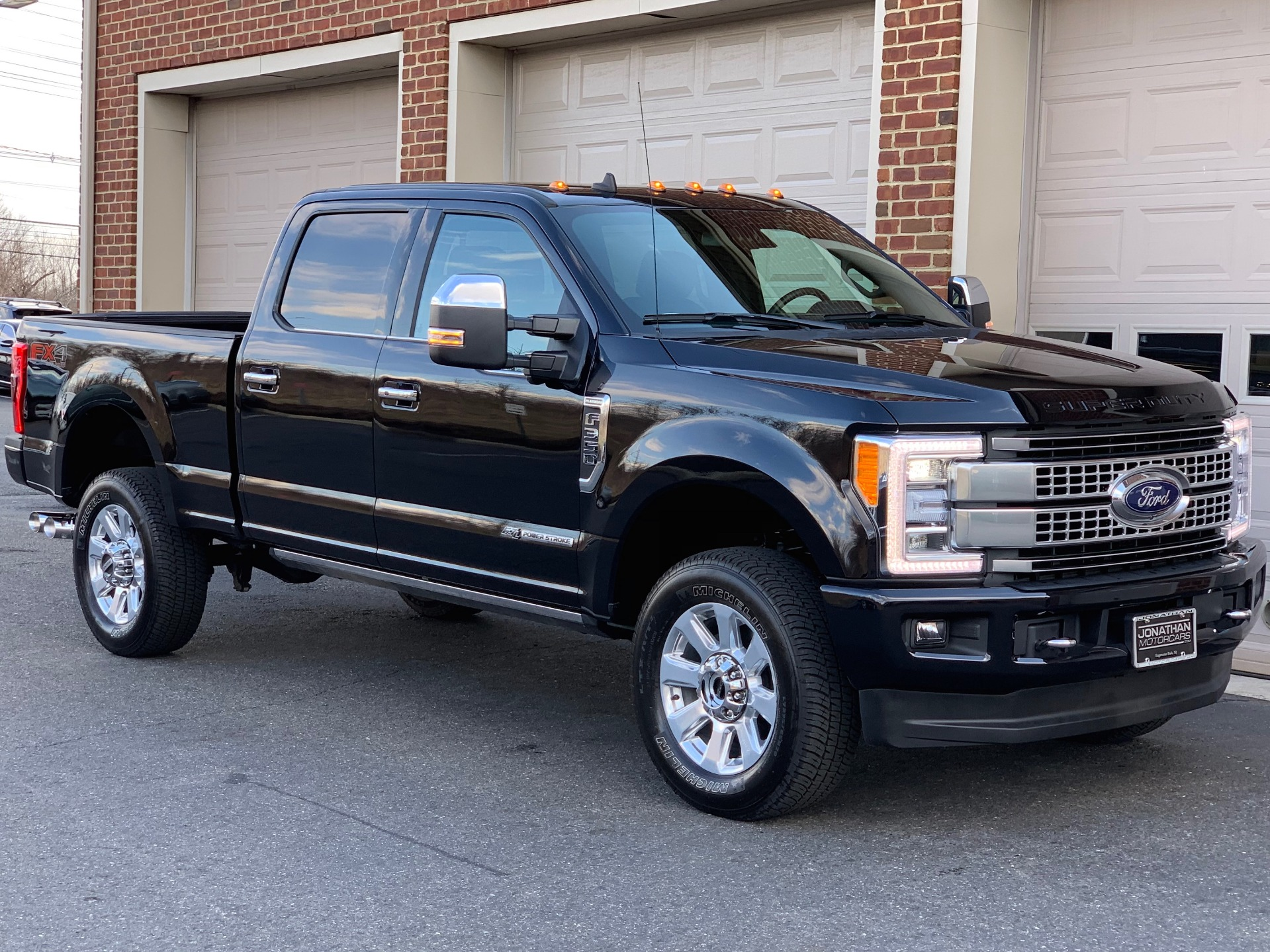 Used-2019-Ford-F-350-Super-Duty-Platinum-67L-Power-Stroke-Diesel