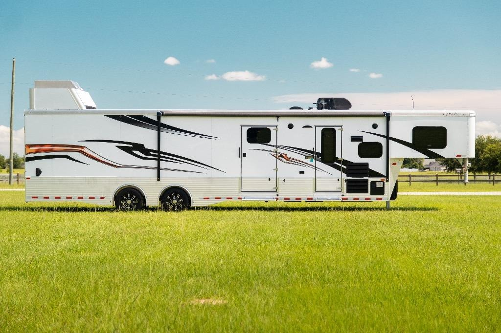 New-2019-Sundowner-1786GM-40'-Toy-Hauler