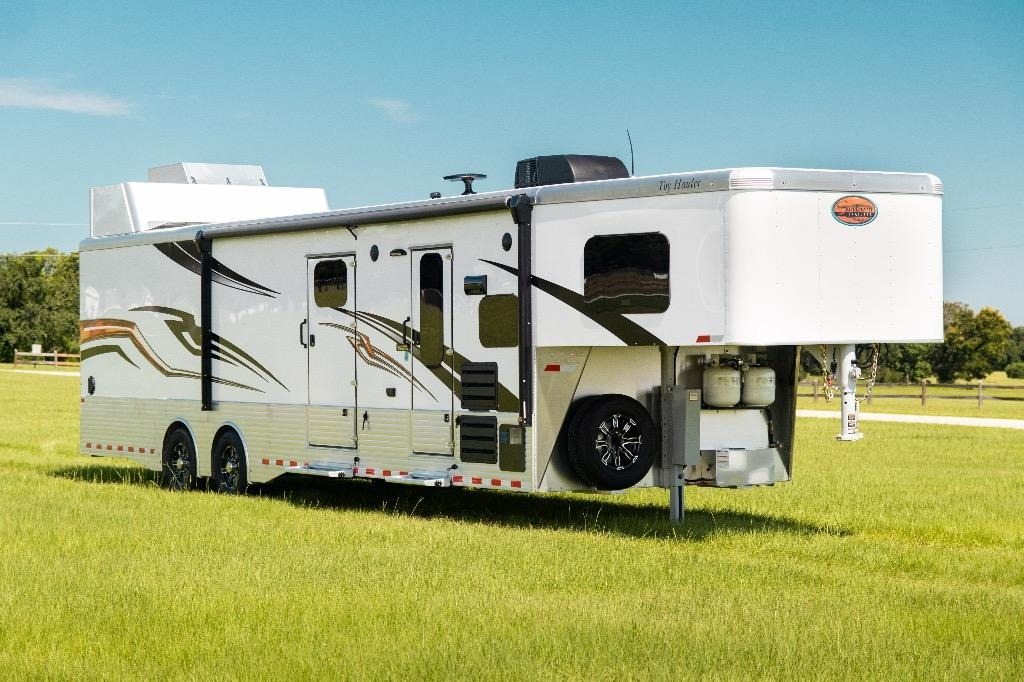 New 2019 Sundowner 1786GM 40' Toy Hauler | Edgewater Park, NJ