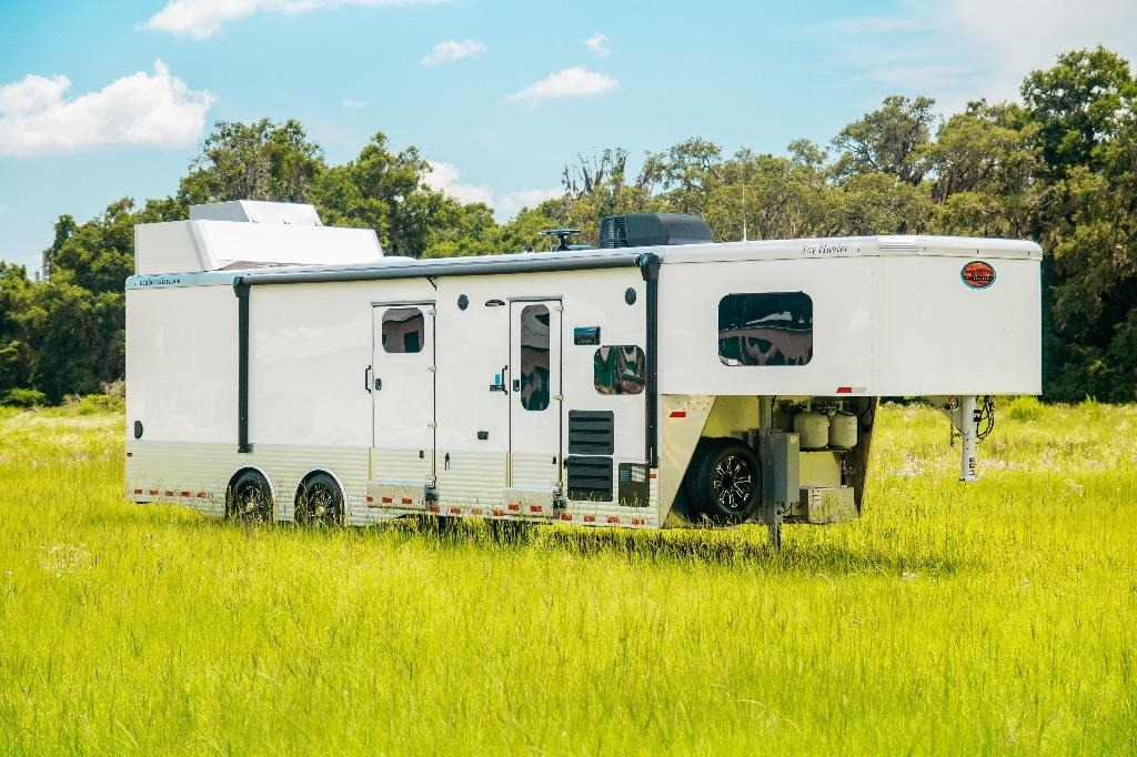 New-2019-Sundowner-1786GM-36'-Toy-Hauler