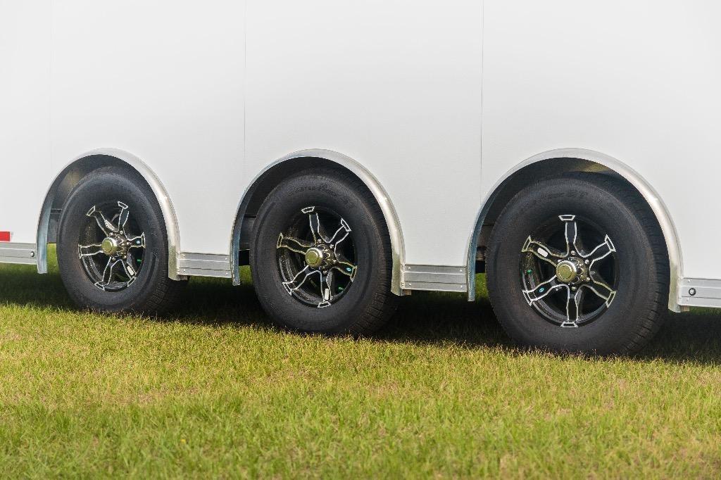 New-2019-Sundowner-32'-Enclosed-Race-Car-Trailer