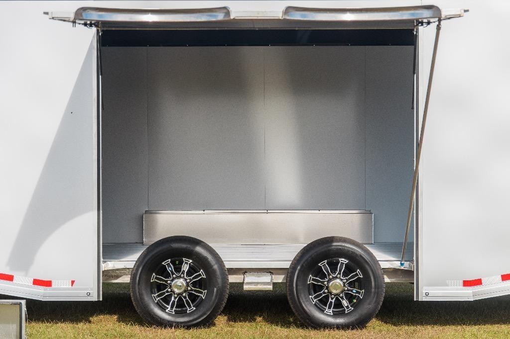 New-2019-Sundowner-28'-Race-Car-Series
