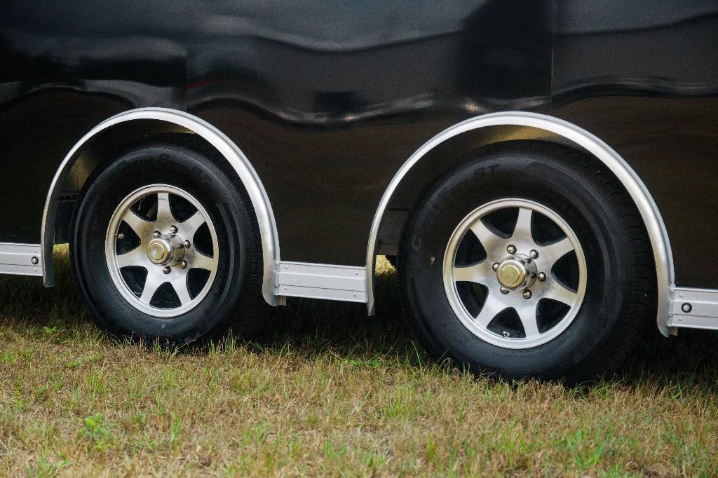 New-2019-Sundowner-24'-Race-Car-Series