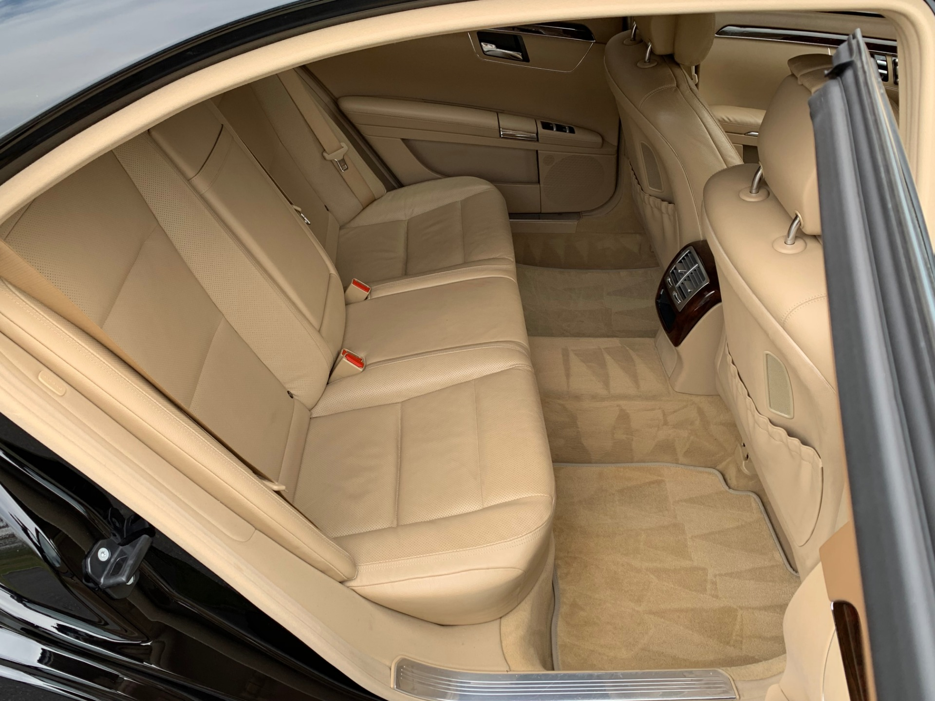 Used-2011-Mercedes-Benz-S-Class-S-550-4MATIC
