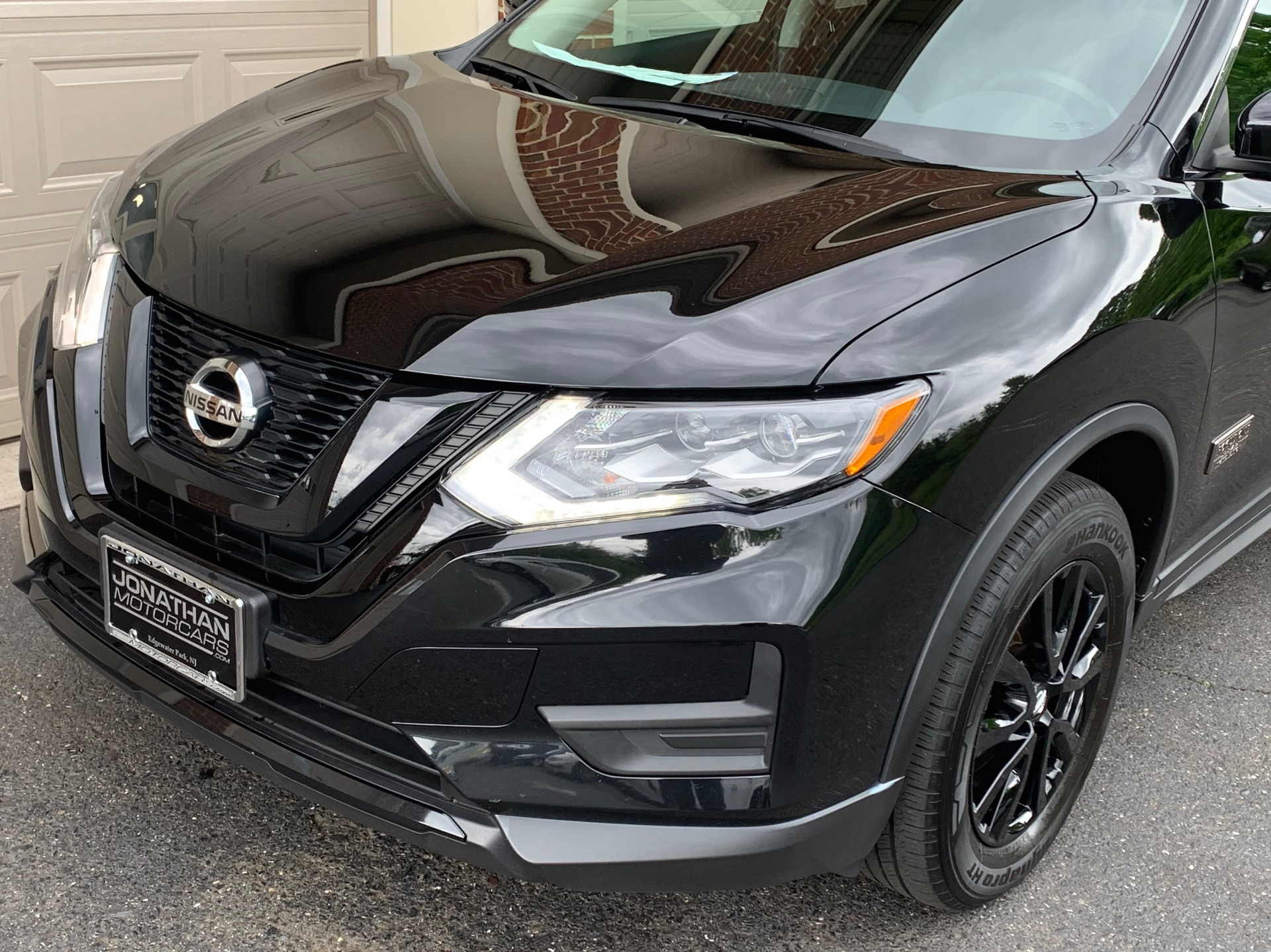 Used-2017-Nissan-Rogue-SV-Star-Wars-Edition