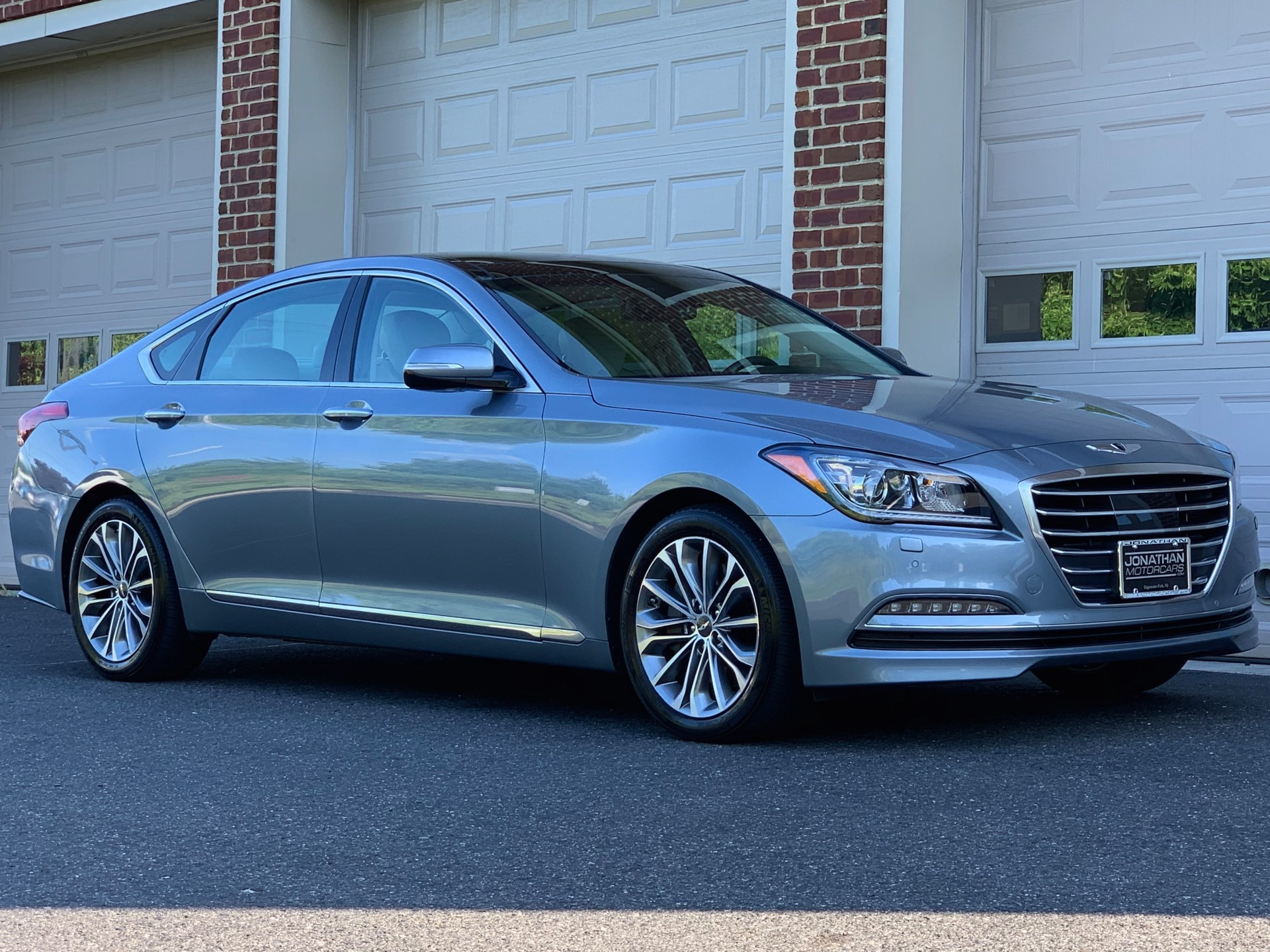 Used-2016-Hyundai-Genesis-38L-AWD-Ultimate-Package