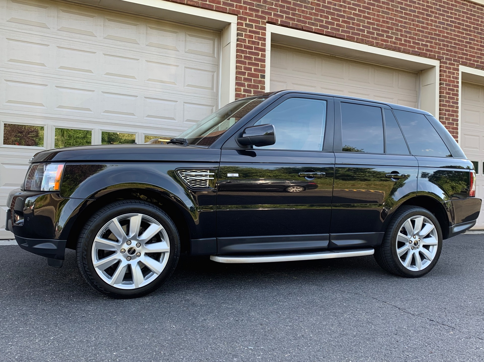 Used-2013-Land-Rover-Range-Rover-Sport-HSE-LUX