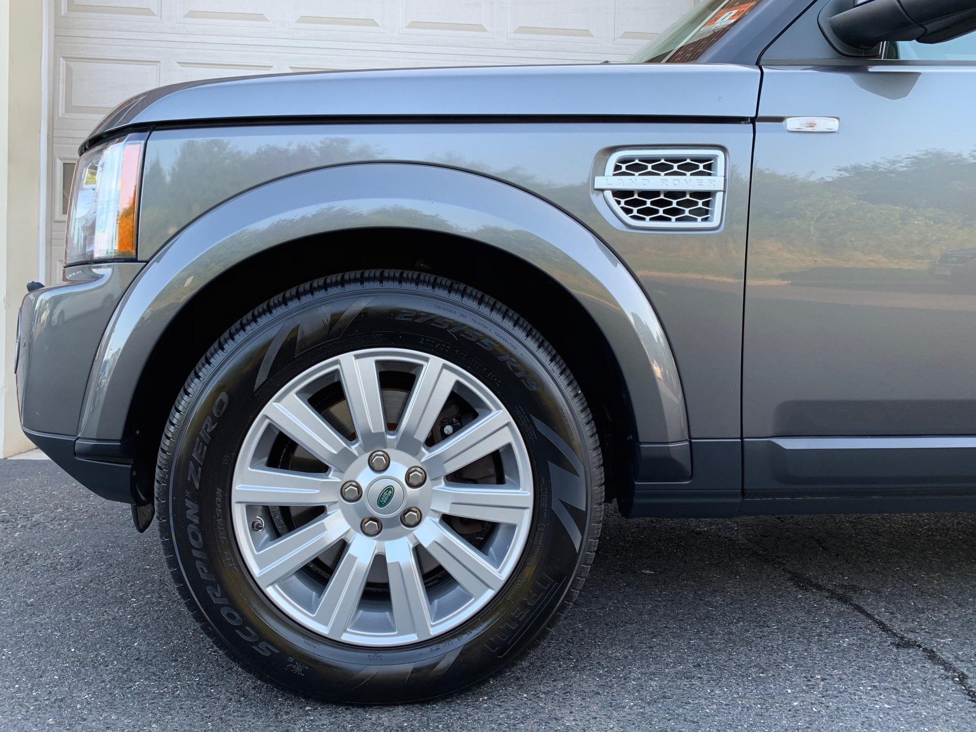 Used-2013-Land-Rover-LR4-HSE