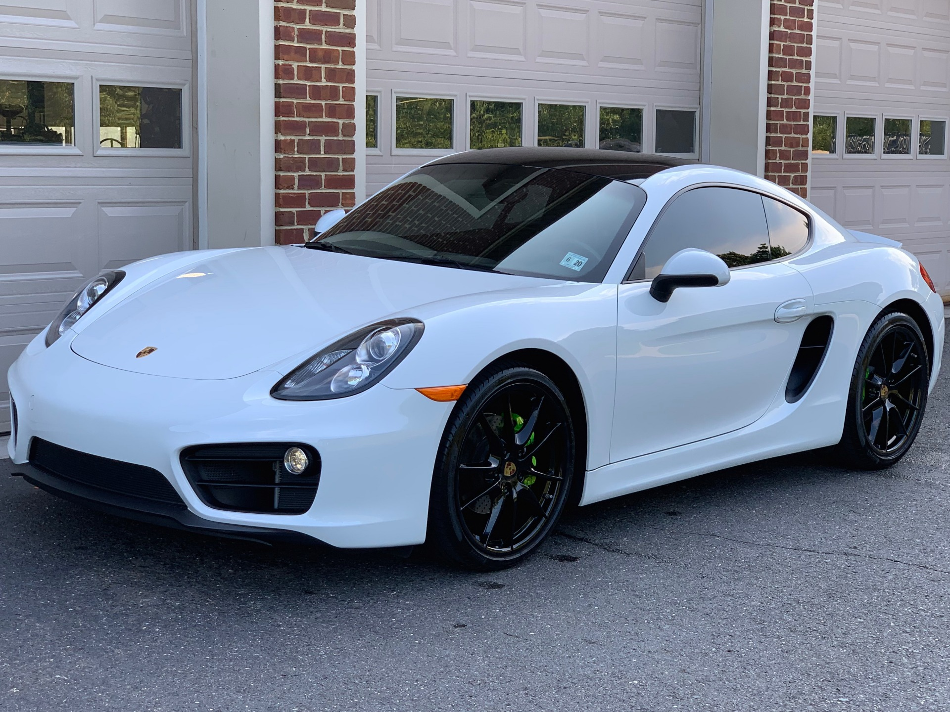 Used-2015-Porsche-Cayman