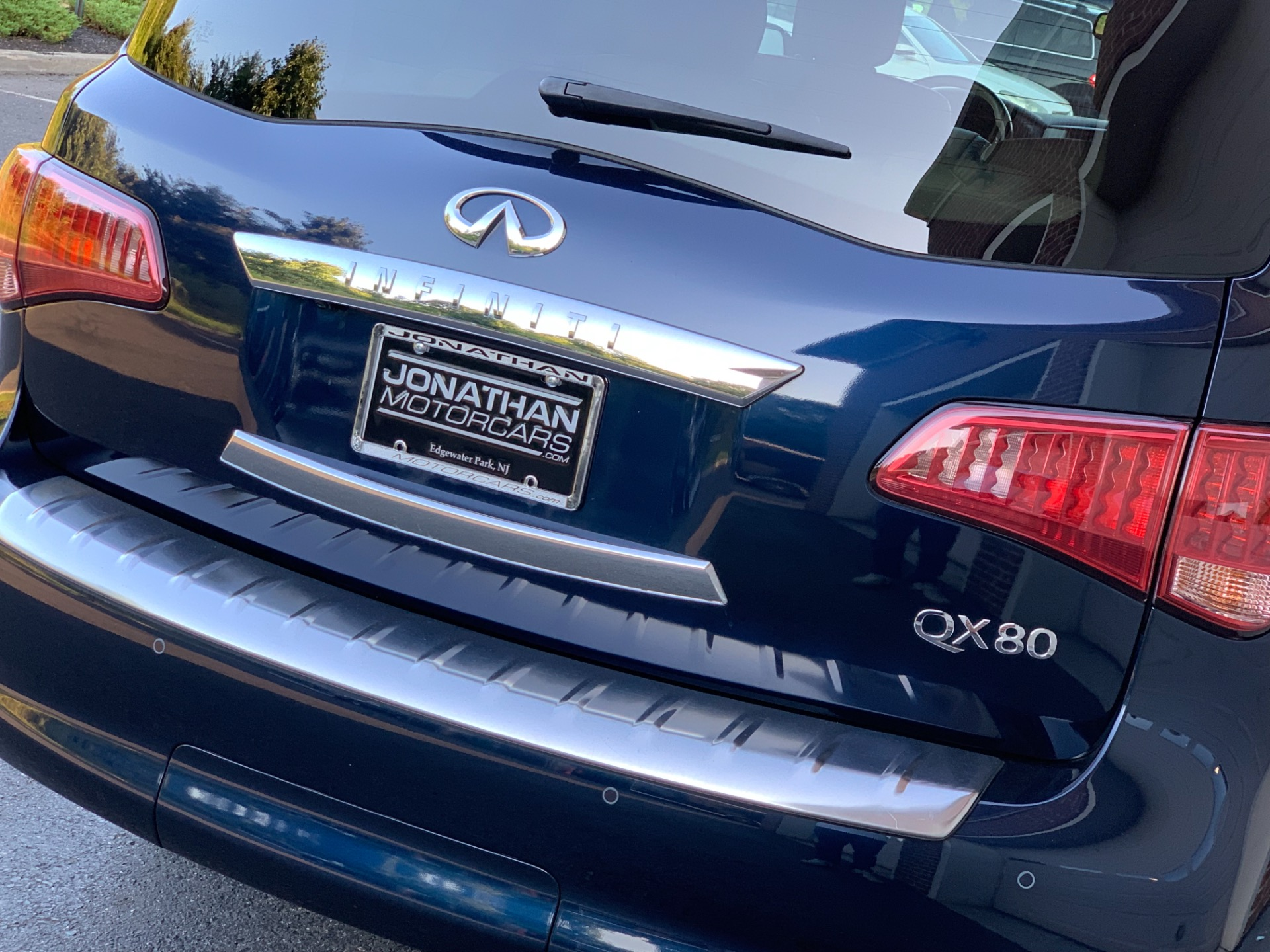 Used-2016-INFINITI-QX80-AWD-Navigation-Drivers-Asst-Package