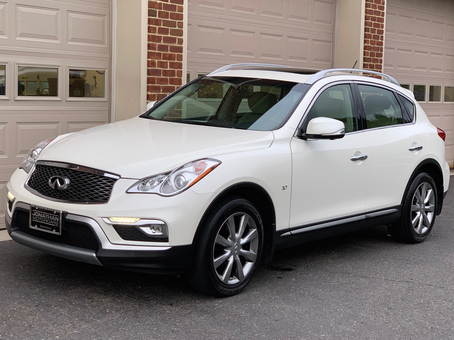Used-2016-INFINITI-QX50-Premium-Plus