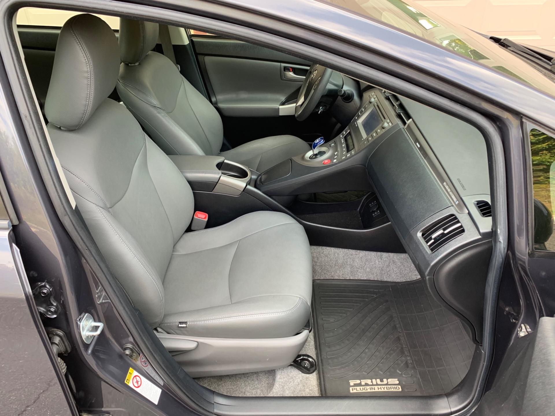 Used-2012-Toyota-Prius-Plug-in-Hybrid