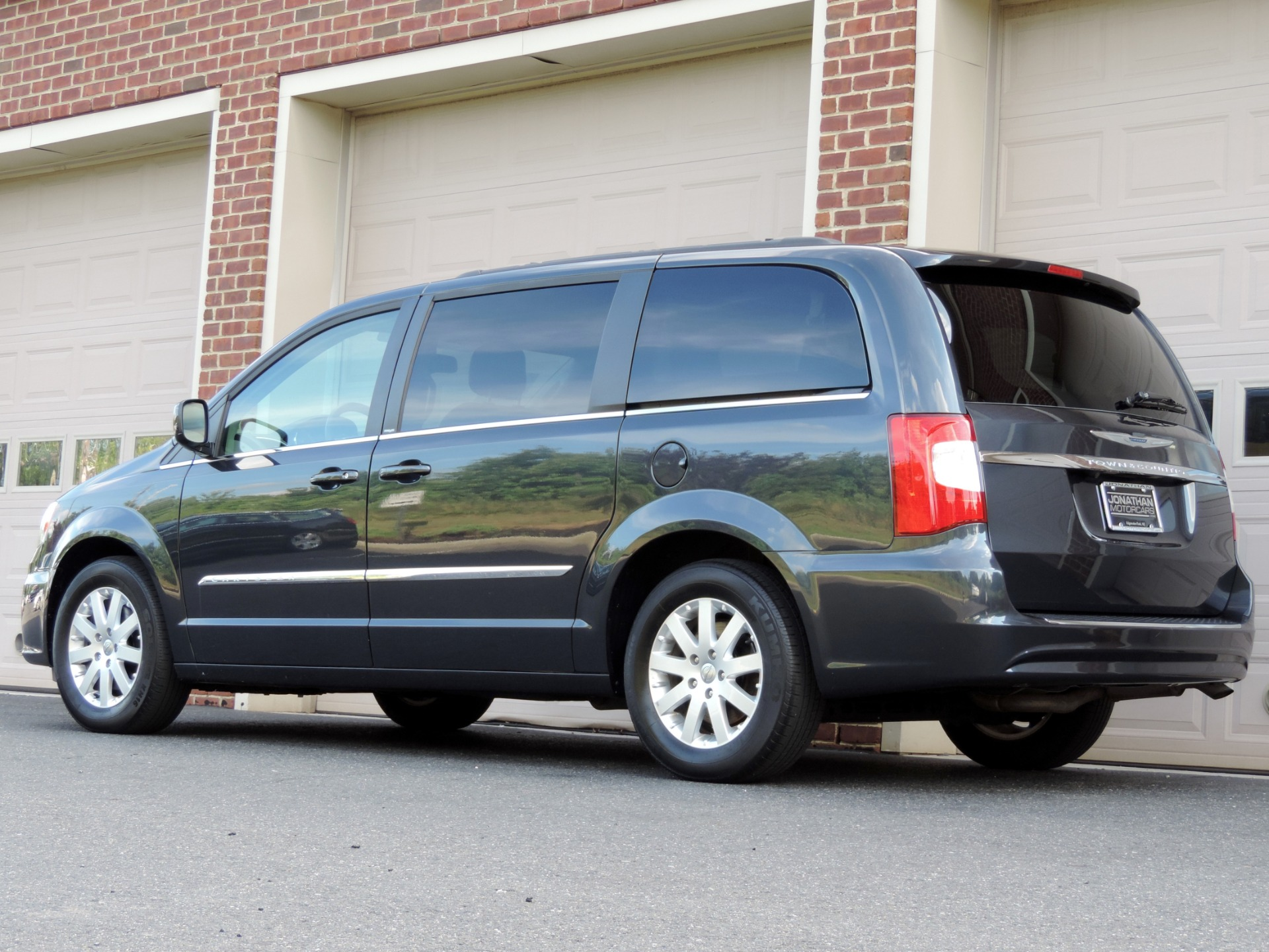 2014 chrysler town and country touring stock 229453 for. Black Bedroom Furniture Sets. Home Design Ideas