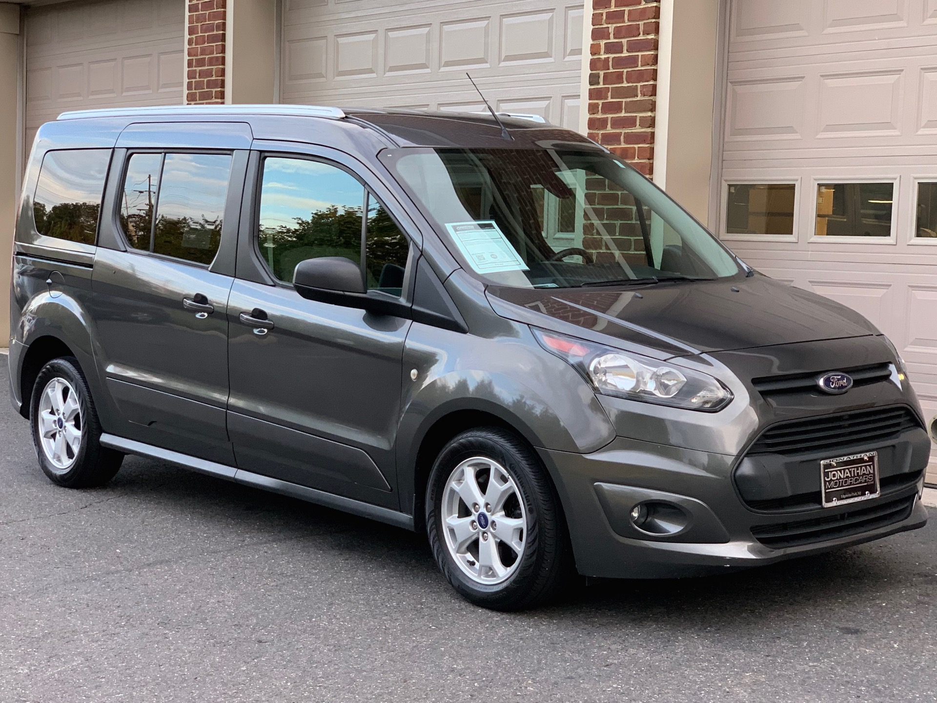 Used-2015-Ford-Transit-Connect-Wagon-Passenger-XLT-LWB