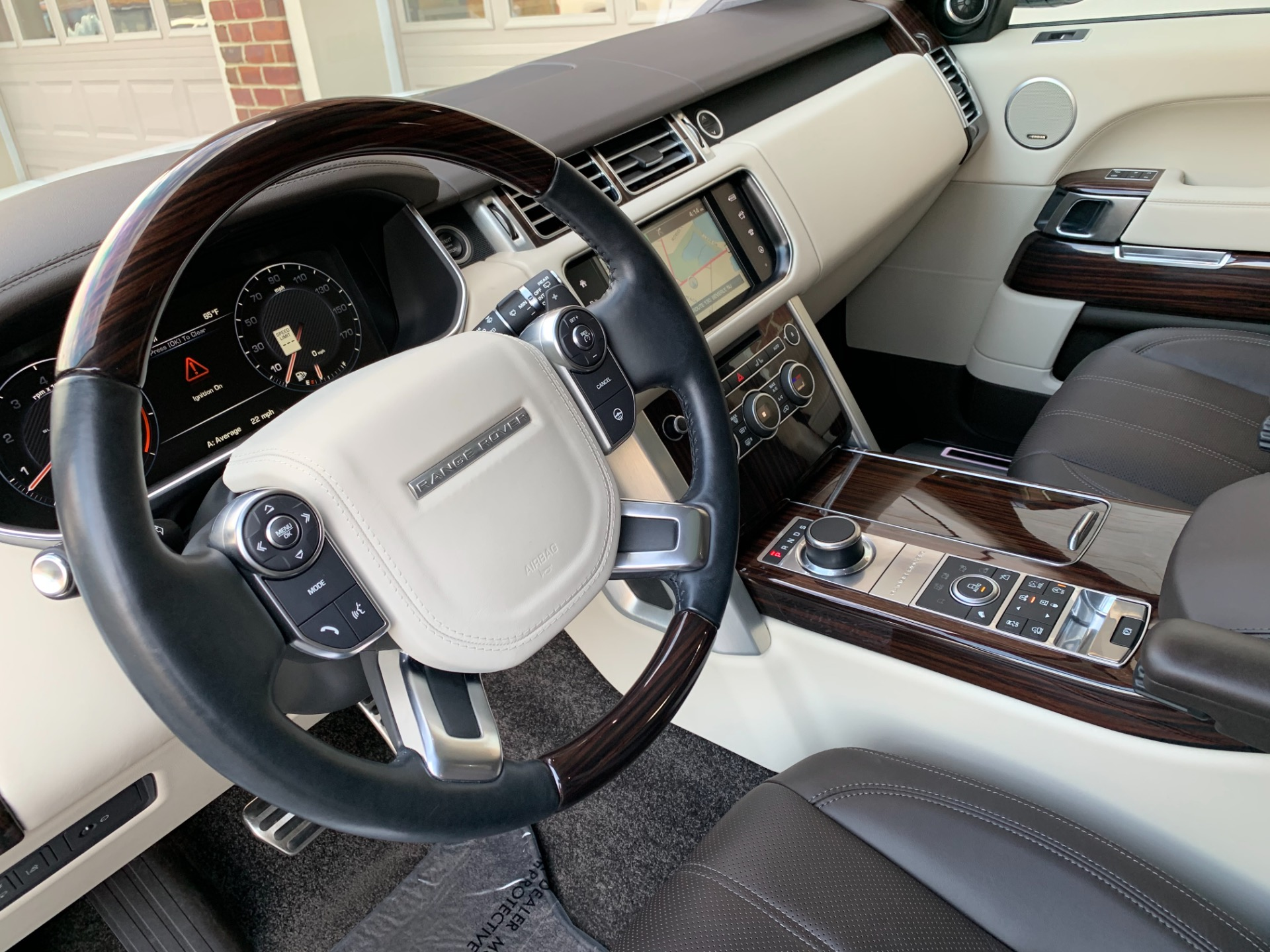 Used-2016-Land-Rover-Range-Rover-Supercharged-LWB