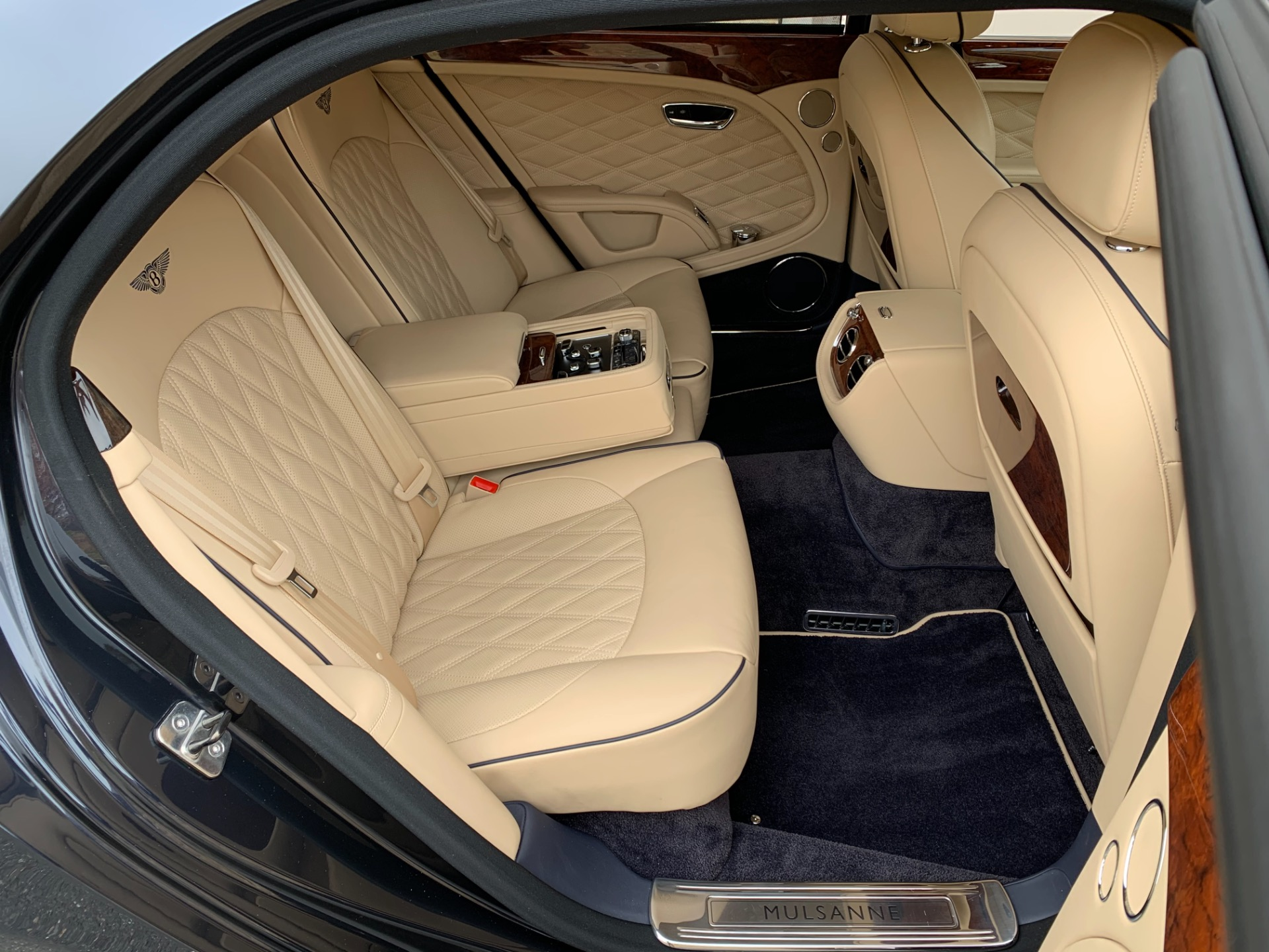 Used-2017-Bentley-Mulsanne-Mulliner