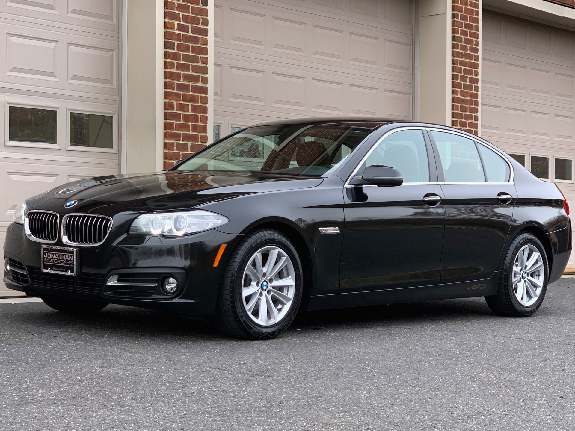 Used-2016-BMW-5-Series-528i-xDrive