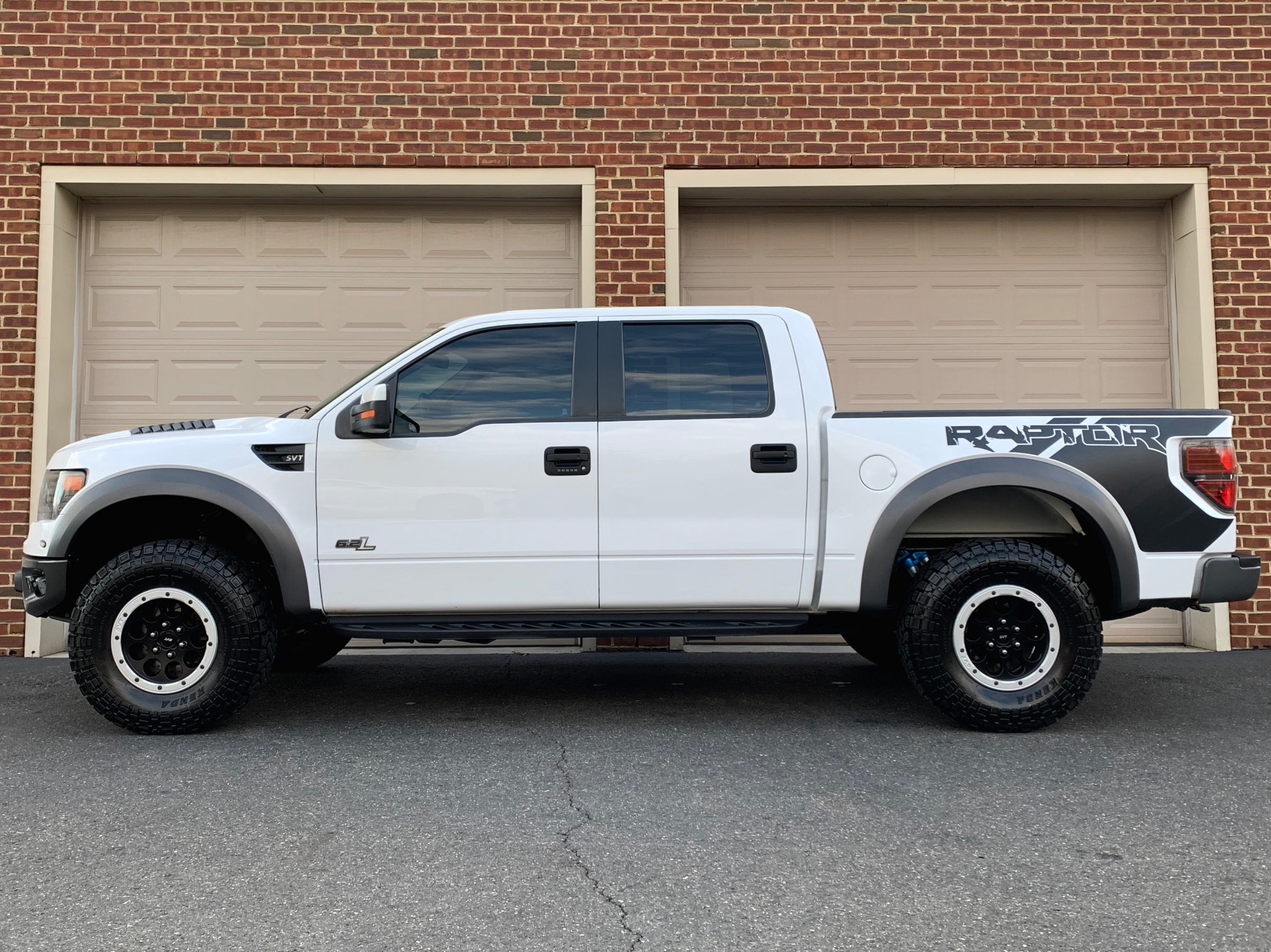 Used-2014-Ford-F-150-SVT-Raptor