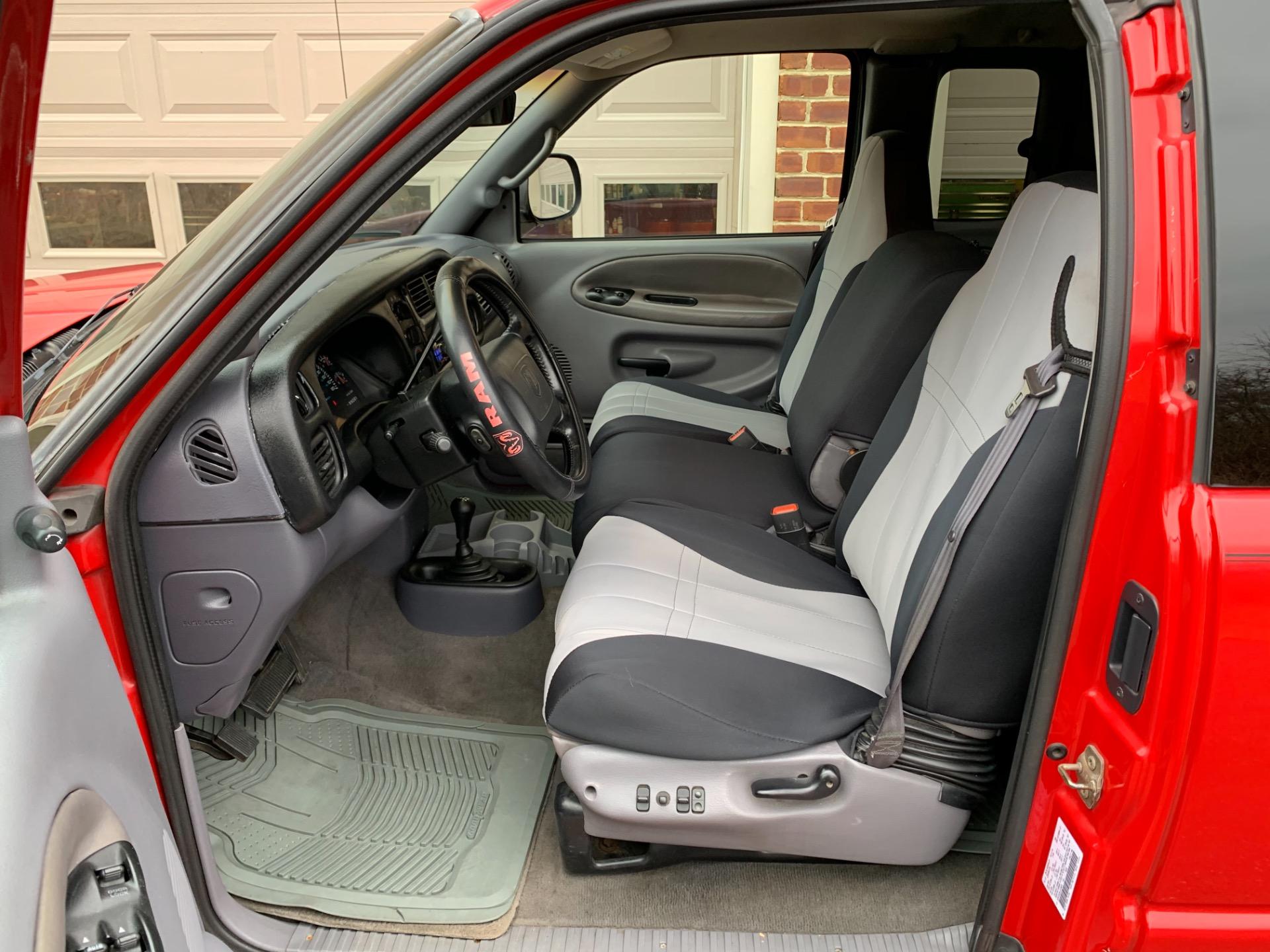 Used-2001-Dodge-Ram-Pickup-2500-SLT